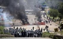 Giáo viên vàcảnh sátMexico đụng độ, 4 người chết