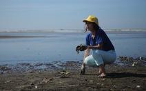 Nghệ sĩ đồng hành làm sạch biển…