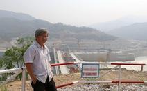 Dòng Mekong gào thét, nhà báo vác ba lô lên đường