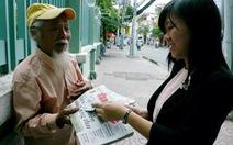 Buổi sáng dễ thương ở một sạp báo Sài Gòn