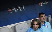 """Luka Modric """"lật tẩy"""" quả phạt đền của Sergio Ramos"""