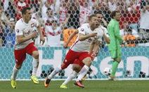Thắng chật vật Ukraine, Ba Lan gặp Thụy Sĩ ở vòng 16 đội