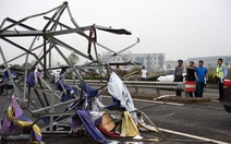 Clip lốc xoáy khủng khiếp ở Trung Quốc, 98 người chết