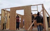 Vượt biên giới để xây nhà miễn phí
