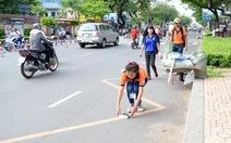Người Việt không dọn rác ở nhà mình, ai làm thay?