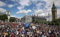 Hàng chục ngàn người biểu tình phản đối Brexit tại London