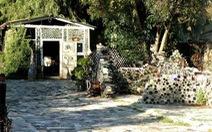 Ghé thăm ngôi làng chai lọ độc đáo của Mỹ