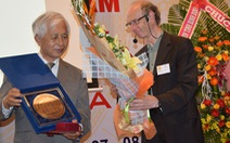 GS Trần Thanh Vân nhận bằng tiến sĩ danh dự của JINR