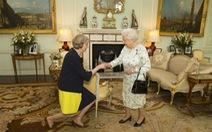 Tân thủ tướng Anh Theresa Maytuyên thệ nhậm chức