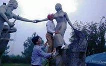 Phê bình cán bộ huyện sàm sỡ tượng nàng Biang