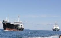 Cảnh sát biển bắt tàu nước ngoài buôn lậu dầu