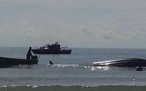 Tàu chở 62 người lật úp trên biểnMalaysia, 8 người chết