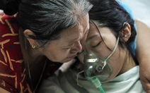 Người mẹ hoãn điều trị ung thư để giữ con đã qua đời