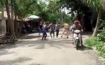 Khởi tố 2 nghi phạm trong clip đánh hội đồng CSGT