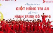 Hàng ngàn người hiến máu tình nguyện ở Hà Nội