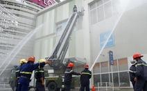 Hàng trăm người diễn tập chữa cháy tại Aeon Mall Bình Dương
