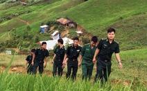 6 chàng trai trên đỉnh Pha Luông