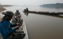 Những thợ chài lưới Lào trên dòng Mekong