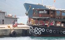 Va chạm liên hoàn trên biển, một tàu du lịch bị chìm