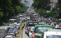 Dân sốt ruột chờ giải quyết ùn tắc khu sân bay Tân Sơn Nhất