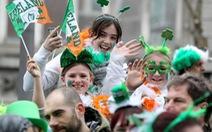Dân Anh đổ xô xin cấp hộ chiếu Ireland