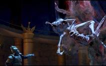 Xem quái vật gớm ghiếc trong trailer 2 phim Tấm Cám