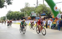 Khán giả Phú Quốc hào hứng xem đua xe đạp