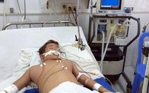 Cứu sống bệnh nhi sốc sốt xuất huyết, xuất huyết phổi nặng
