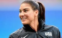Cô thủ môn xinh đẹpSolo bị cấm 6 tháng vì vạ miệng