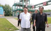 Kim Jong Un ca ngợi vụ phóng tên lửa từ tàu ngầm
