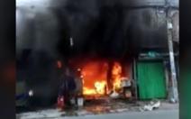 Đập tường cứu cụ bà khỏi đám cháy nhà ở Gò Vấp