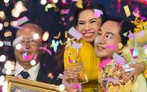 Xem clip vở cải lương giúp Bình Tinh đăng quang Sao nối ngôi