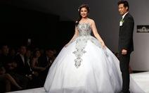 Việt Trinh mặc áo cưới Tình yêu vĩnh cửu