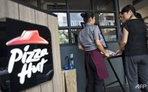 Pizza Hut bị tố sử dụng nguyên liệu hết hạn ở Indonesia