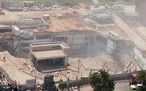 Sập công trình đang xây ở Israel, nhiều người bịvùi lấp