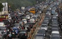 Kẹt giữa dòng xe Jakarta