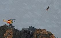 33 người bị kẹt suốt đêm trên cáp treo núiAlps