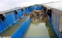 Bắt quả tang tàu xả chất thải ra biển ở Nghệ An