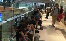 Một số người Việt chờ mua iPhone 7 ở Singapore