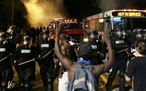 Biểu tình tại North Carolina, 12 cảnh sát bị thương