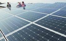Ấn Độ vận hành nhà máy điện mặt trời lớn nhất thế giới