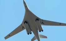 Anh điều chiến đấu cơ chặn Tupolev khổng lồ của Nga