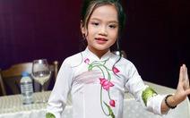 """""""Ca nương 6 tuổi"""" Tú Thanh muốn hát cho mọi người vui"""