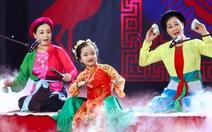 Người hùng tí hon:Tú Thanh hát văn, Tin Tin hát cải lương