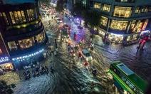 Dân facebook tung nhiều ảnh độc về mưa ngập Sài Gòn