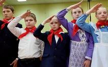 Nga muốn dạy dỗ học sinh như thời Xô viết