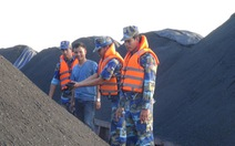 Bắt 4 sà lan chở hơn 3.000 tấn than cám không nguồn gốc