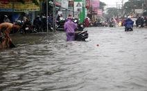 Điểm nóng 360: Sáng 3-10, TP.HCM mưa lớn, người đi làm vất vả