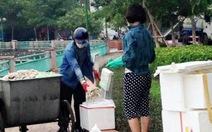 Hà Nội: không có việc cán bộ cho người dân lấy cá chết