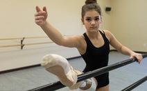 Xem clip cô gái cụt một chân múa balletGabi Shull